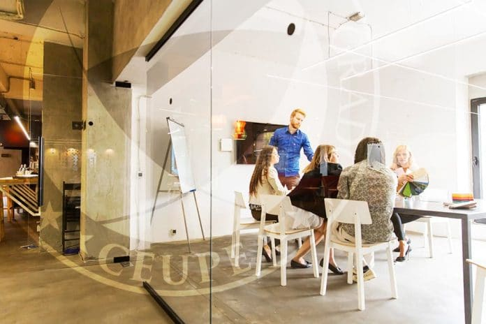 ¿Cuál es la importancia del sistema de costes empresarial?